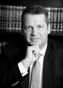 Alfred Dierlamm, Strafrechtsprofessor und Wirtschaftsstrafanwalt