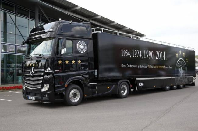 Mercedes-Benz-WM-Truck