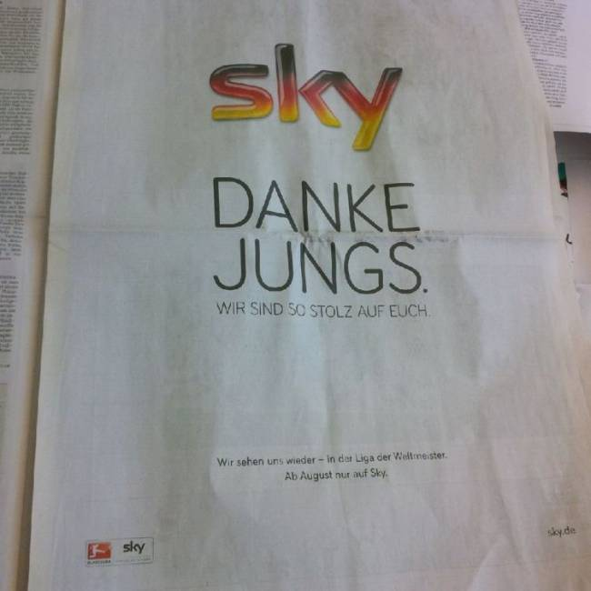 Sky gratuliert ohne Bild und dafür umso größerem Logo, aber immerhin