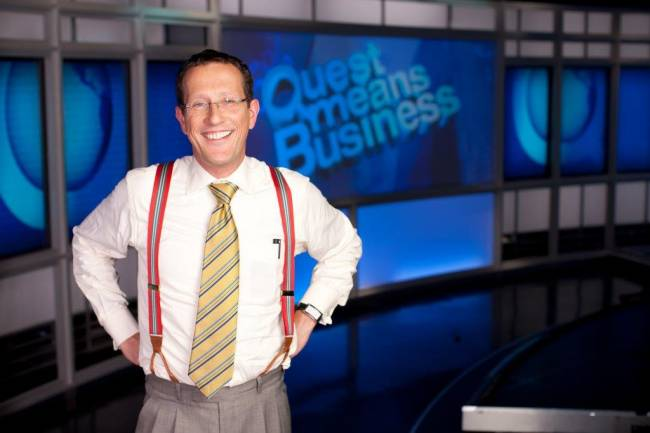 """Richard Quest, Kultmoderator und Anchorman bei CNN - bekannt durch seine TV-Serie """"Frequent Traveller"""""""