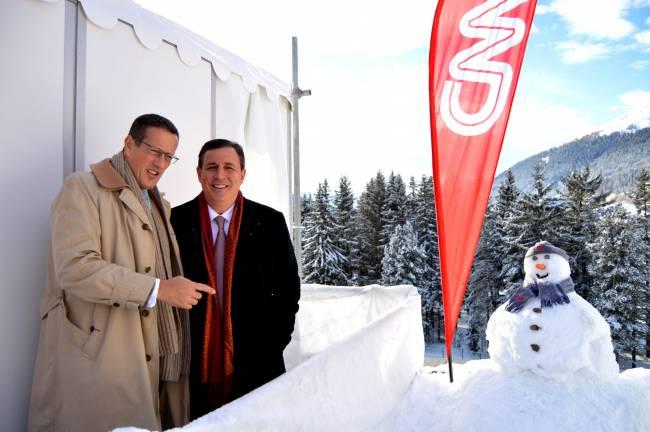 CNN-Moderatoren Richard Quest (l.) und John Defterios in Davos 2015