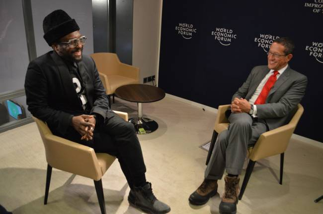 Black-Eyed-Peas-Rapper und Technologie-Tycoon Will.i.am mit CNN-Moderator Richard Quest (Foto: CNN International)