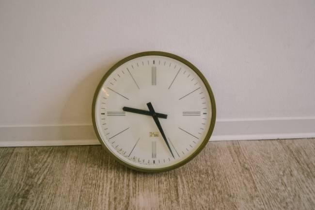 Korhummel-Uhr-01