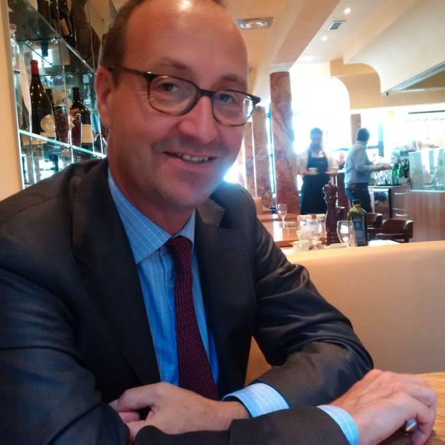 Nikolaos Paschos, M&A-Anwalt bei Linklaters
