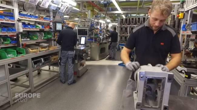Zusammenarbeit zwischen Robotern und menschlichen Mitarbeitern