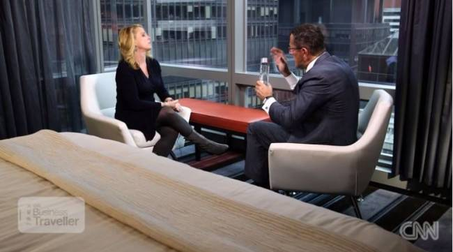 Richard Quest (r.) und Jen (Foto: CNN International)