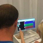 Neben der Analyse des Fußauftritts zeigt dieses Foto folgende Diagnos: Kreisrunder Haarausfall. WHAT???