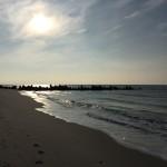 Jeder Schritt zählt. Auch hier beim Strandspaziergang. Eigentlich ist das Foto aber nur da, weil's hübsch aussieht.
